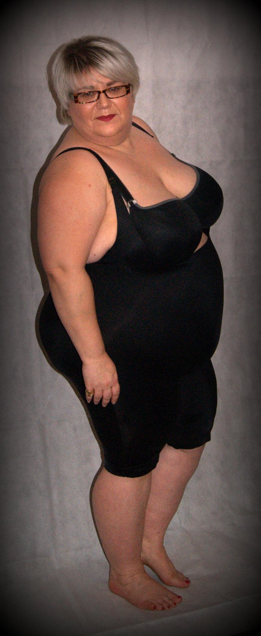Fat mature Nude Photos 90